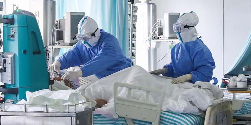 Paciente con Covid-19 escapa del hospital y muere en la calle