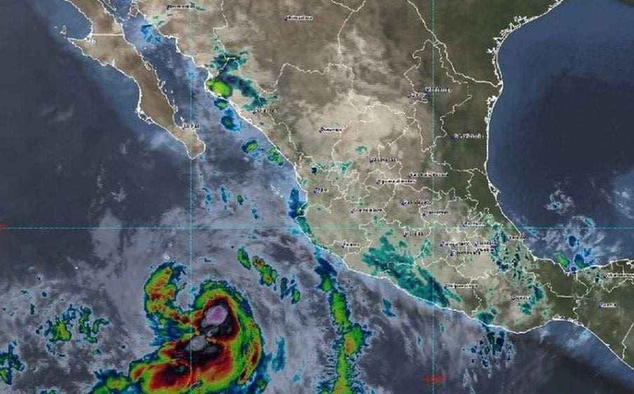 Cristina, de tormenta tropical a huracán categoría 1; advierte CONAGUA