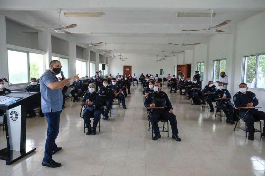 En agosto iniciarán las sanciones por incumplir medidas sanitarias en Cancún; se capacita a la Policía de Reacción Covid: Janix.