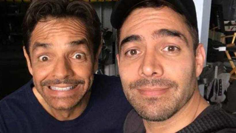 Eugenio Derbez y Omar Chaparro se besan en la boca (VIDEO)