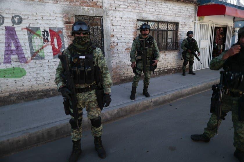 Ola violenta imparable en Guanajuato; matan a 5 policías y 3 personas