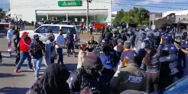 Reprimen a familias de desparecidos que protestaban en Guanajuato