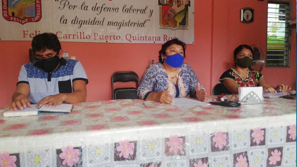 Maestros mayas piden a la SEQ cancelar cambio de adscripción