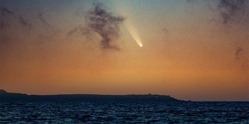 NASA comparte fotografía del cometa Neowise captada desde Cancún