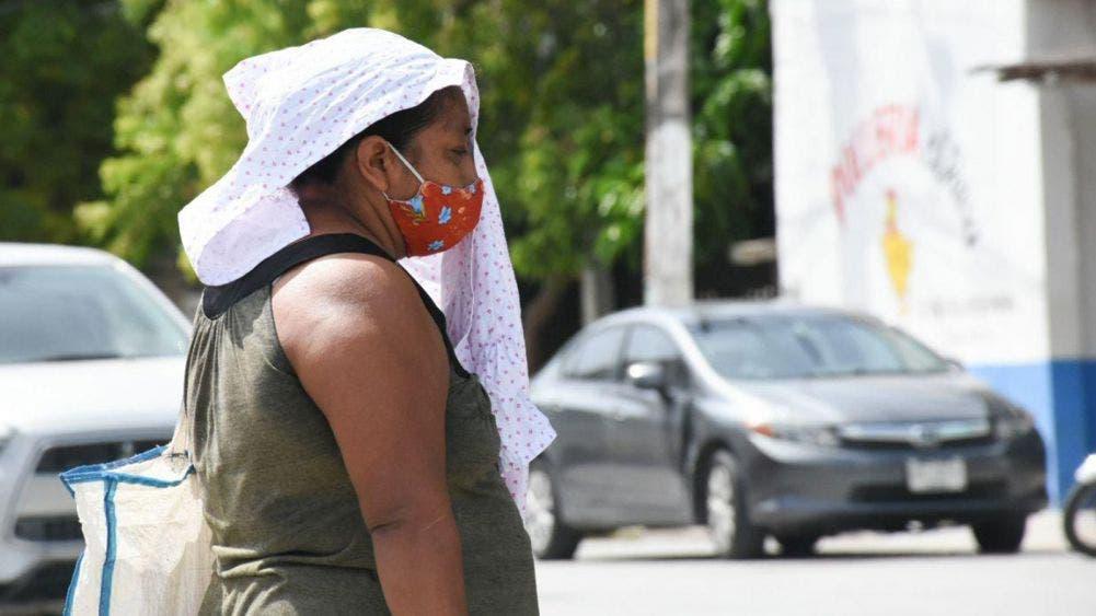 Pide Laura Fernández a portomorelenses tomar precauciones por altas temperaturas