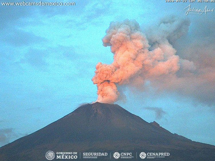 Intensifica actividad el volcán Popocatépetl