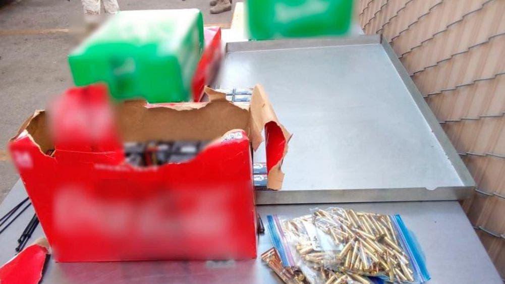 ¿Refrescos? Decomisan 9 mil cartuchos de grueso calibre en cajas de gaseosas