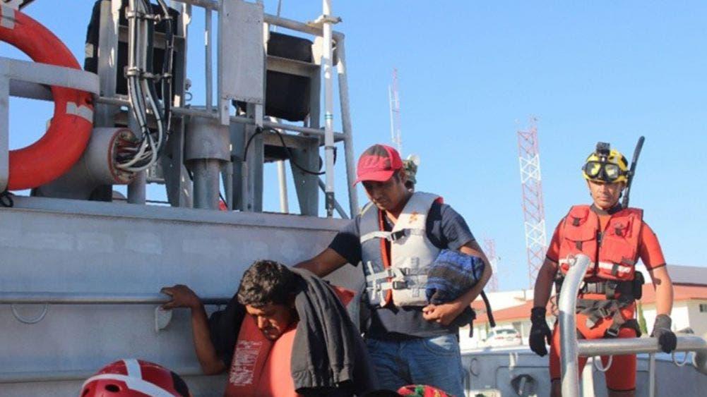 Rescatan a 16 personas que estaban a la deriva en altamar (FOTO DE ARCHIVO)