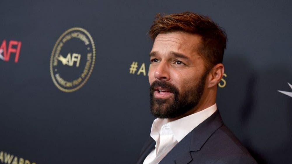 Ricky Martin presume a su esposo y sus cuatro hijos en tierna imagen