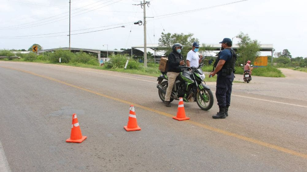 Utilizaron conductores vías alternas, tras cierre carretero por operativo militar