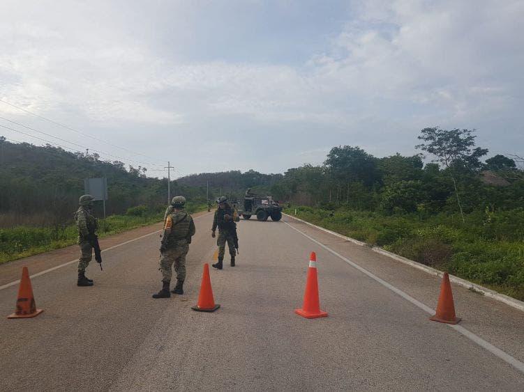 Blindan José María Morelos tras narcoaterrizaje en carretera.