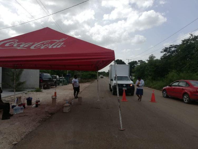 Amagan con más bloqueos carreteros en Lázaro Cárdenas.