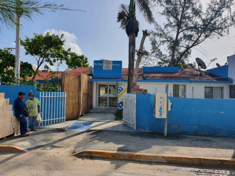 Encargado del hospital de Holbox confirma dos casos de Covid-19 en la isla.