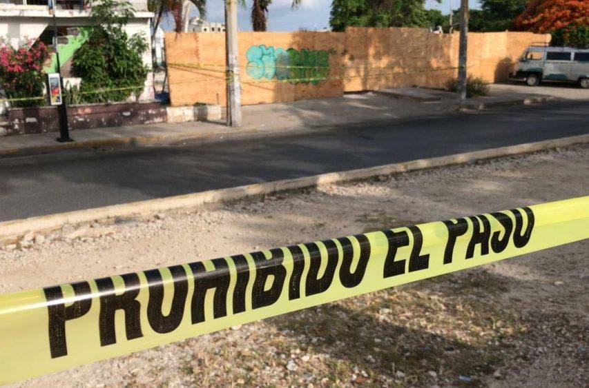 Asesinan a puñaladas a un sujeto en la Tulum de Cancún.