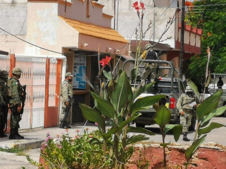 Atrae la FGR detención de cinco sujetos con 11 mdp en Chetumal; hasta el momento las autoridades no se han configurado los delitos.
