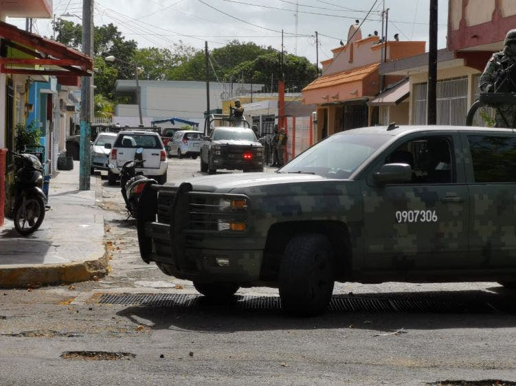 Atrae la FGR detención de cinco sujetos con 11 mdp en Chetumal.