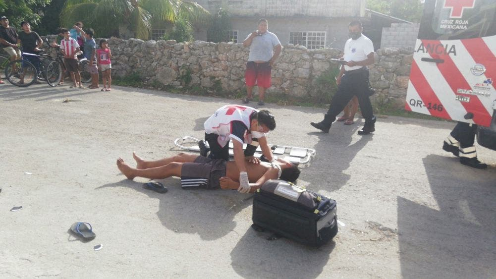 Un lesionado en choque de motos en Felipe Carrillo Puerto; la falta de precaución fue el motivo para el percance en la Constituyentes.