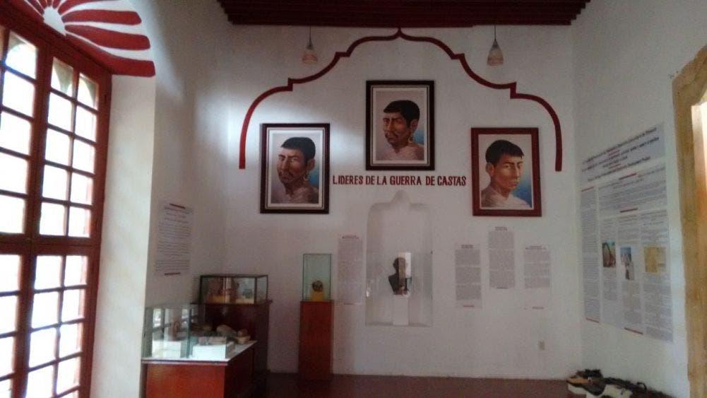 Exponen en Tihosuco piezas históricas de la Guerra de Castas.