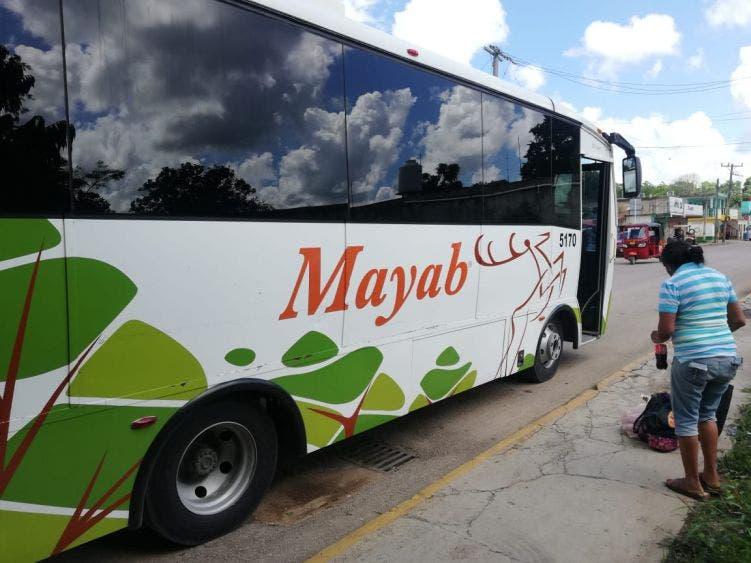 Surgen diferencias por pleito de pasajes entre Mayab y taxistas de Kantunilkín.