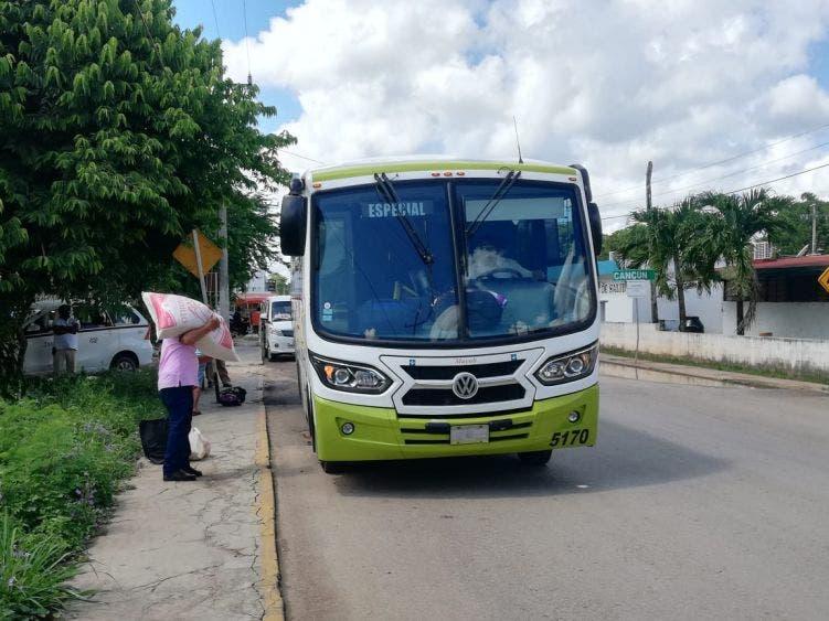 Surgen diferencias por pleito de pasajes entre Mayab y taxistas de Kantunilkín; no se respetan los acuerdos para brindar el servicio.