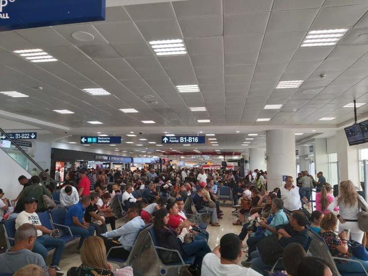 Apoyaron 49 hoteles a turistas varados en Quintana Roo.