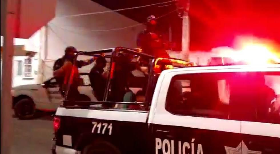 Detienen a cinco personas durante un cateo en Cozumel.