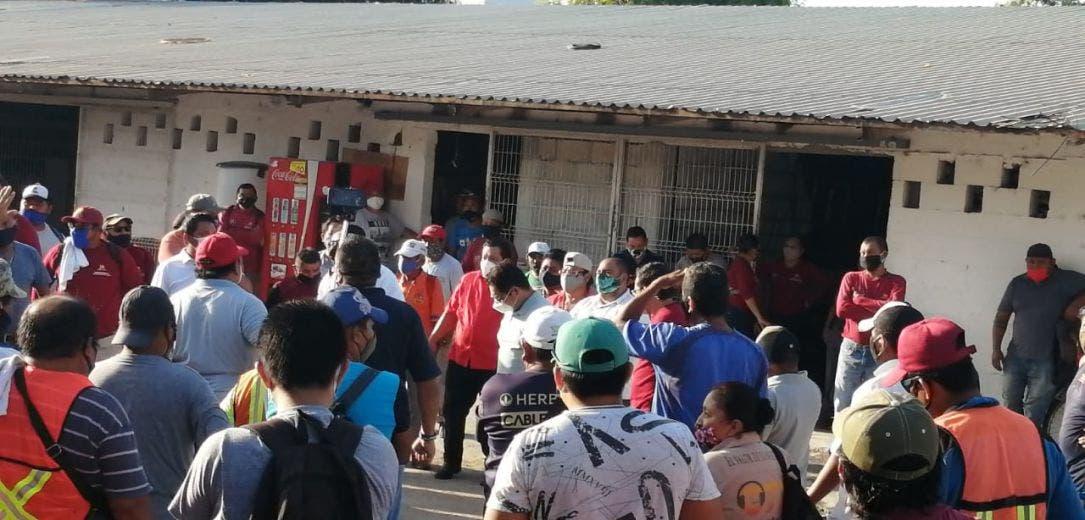 Amanece Chetumal sin servicio de recoja por paro de trabajadores.