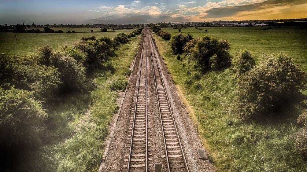 Pactan INAH y Fonatur salvar vestigios en la ruta del Tren Maya; el proyecto pasa por tres mil 24 sitios arqueológicos inscritos.