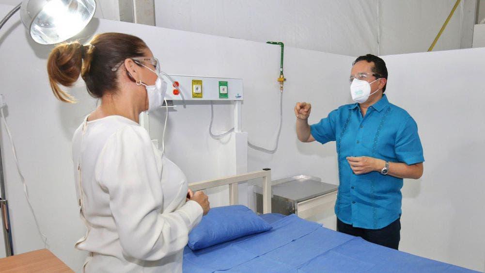 Carlos Joaquín autorizó ampliar la infraestructura hospitalaria de Quintana Roo