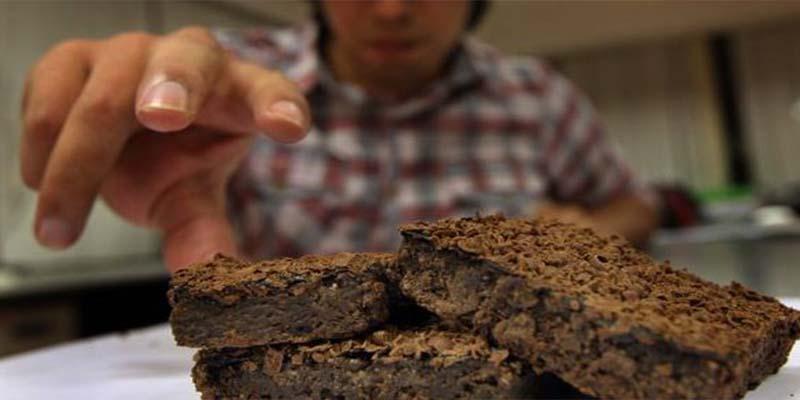 """Detienen a hombre por vender en redes sociales """"brownies"""" con mariguana"""