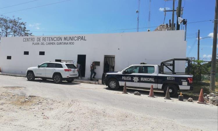 Aseguran droga dirigida a reos del penal de Playa del Carmen.