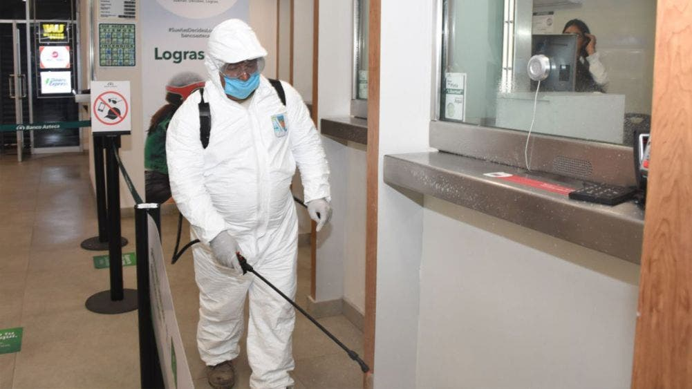 Ordena Laura Fernández reforzar la sanitización de áreas públicas y oficinas de gobierno