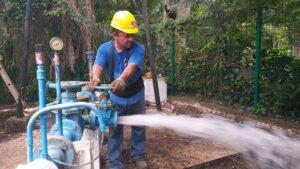 Restablecen el servicio de agua en San Cosme.