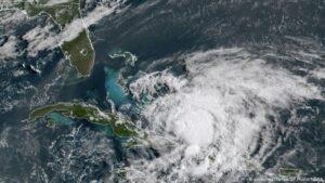 Huracán 'Isaías' deja destrozos en Bahamas; se dirige a Florida
