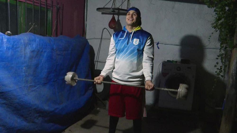 Boxeador recolecta basura para ir a los Juegos Olímpicos