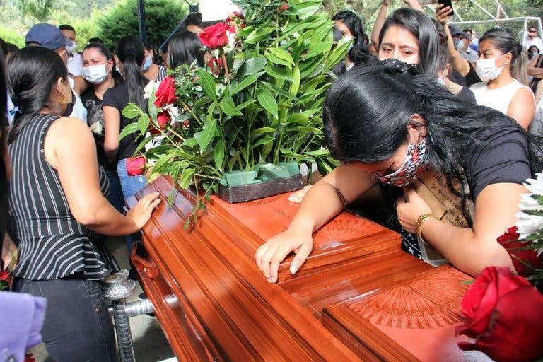 Asesinan a seis jóvenes, en otra masacre, en Colombia
