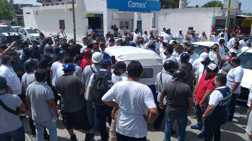 Zafarrancho entre taxistas y mototaxistas en la supermanzana 239