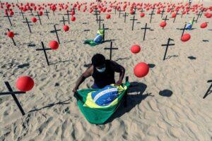 Supera Brasil las 100 mil muertes por coronavirus.