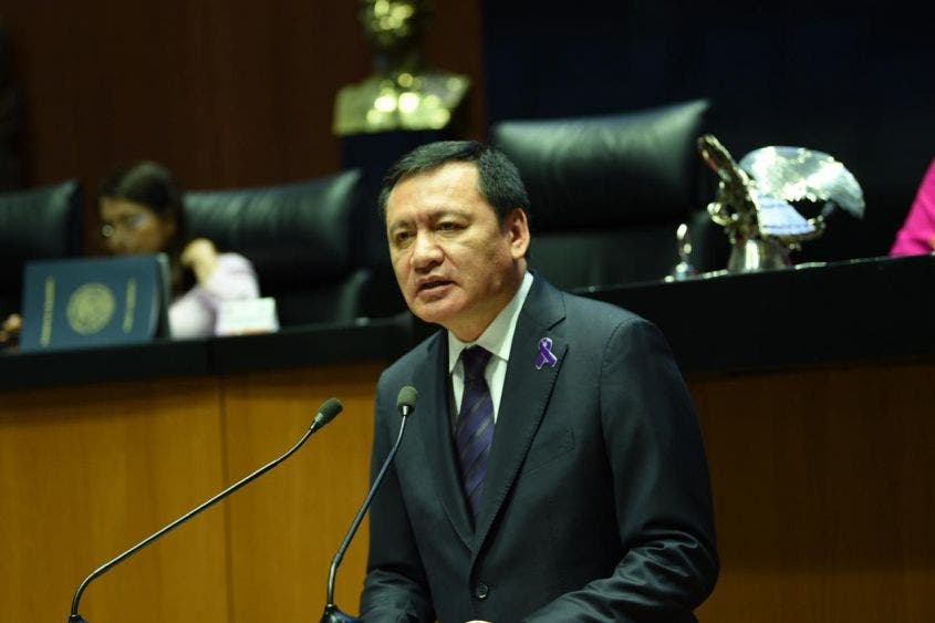 FGR va contra 19 ex funcionarios de Osorio Chong.