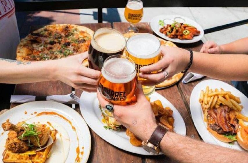 Hoy es el día internacional de la cerveza, celebra en casa