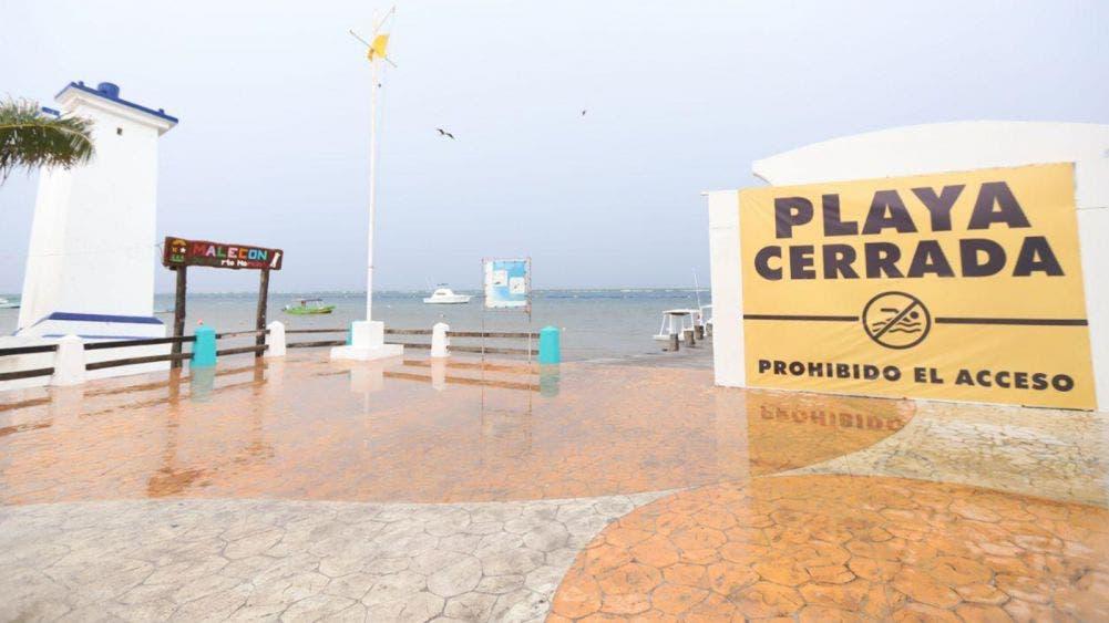 Refuerzan medidas para evitar la presencia de bañistas en las playas de Puerto Morelos