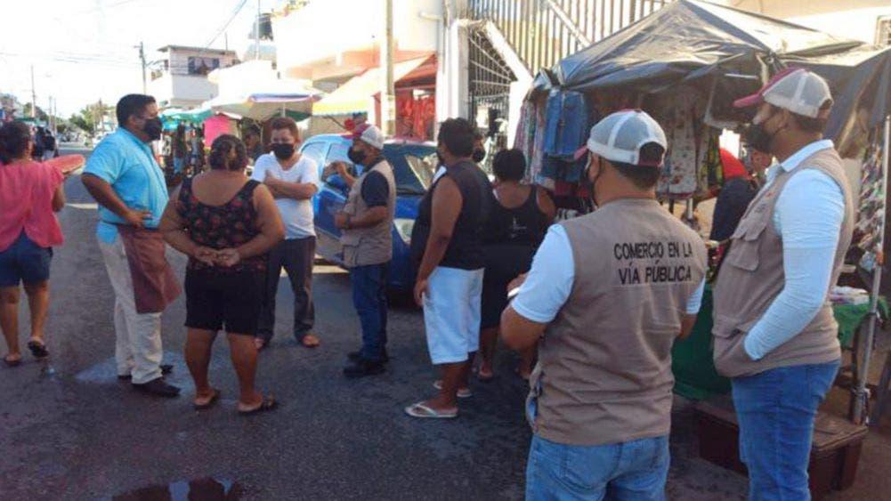 Redoblan vigilancia en tianguis de Cancún