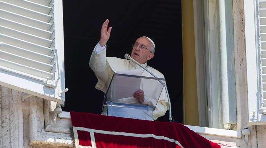 Reza el Papa por Líbano y llama a la solidaridad mundial.