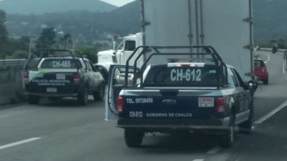 Robo de tráiler desata persecución policiaca en la México-Cuautla