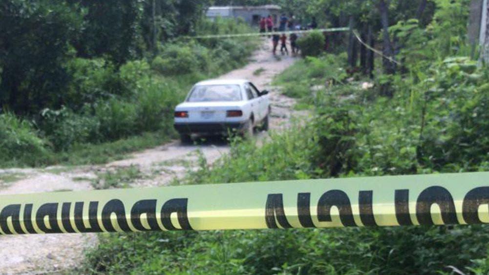 """Cancún: Asesinan a golpes y """"rocazos"""" a un presunto taxista pirata"""