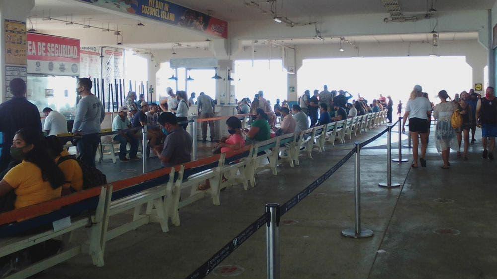 Terminal marítima de Playa Del Carmen opera sin medidas de sanidad