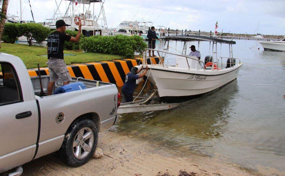 Puerto Morelos, preparado ante posibles afectaciones por fenómeno climático: Laura Fernández, ante la alerta Amarilla en la zona norte de Quintana Roo