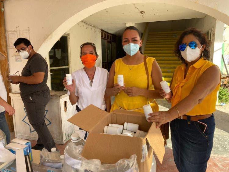 Asociación de Hoteles de Holbox dona insumos contra Covid-19; contribuyen empresarios para que no se propaguen los contagios en la isla.