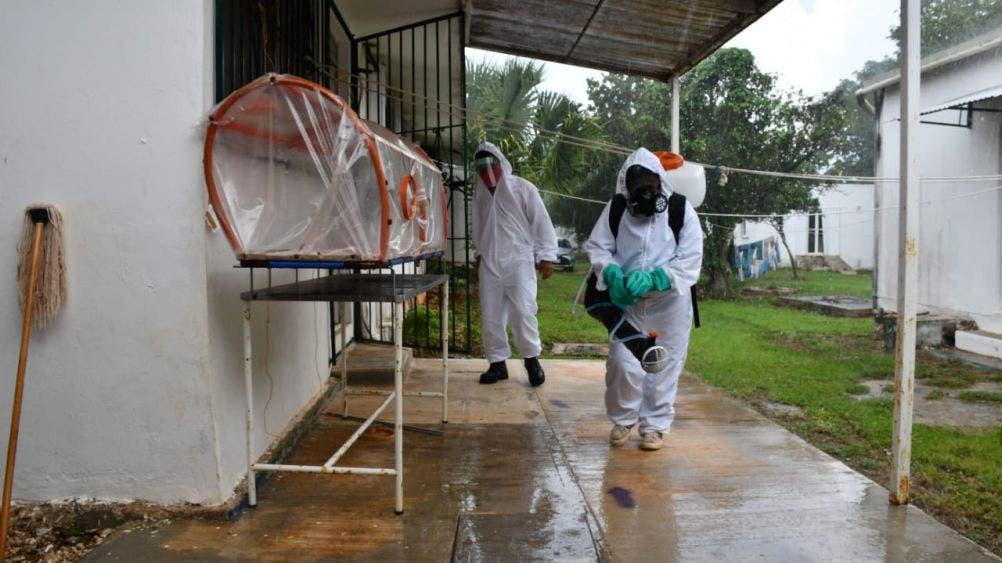 Realizan trabajos de desinfección en Holbox y Chiquilá.