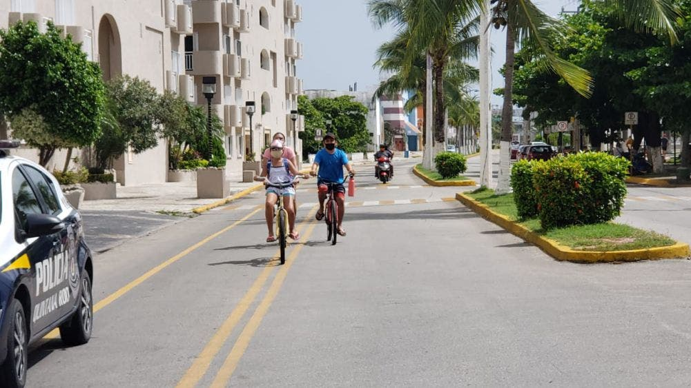 Ciclistas ven peligrosa la ciclovía de la zona sur de Cozumel.